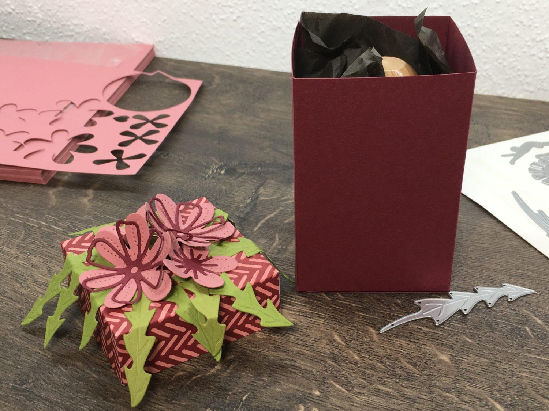 Blumige Geschenkbox